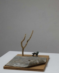 Katherine Boucher Beug, Dog, wood, lead & bronze, 20 x 21 cm, 2014, € 950