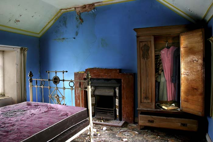 Creedon, Blue Bedroom