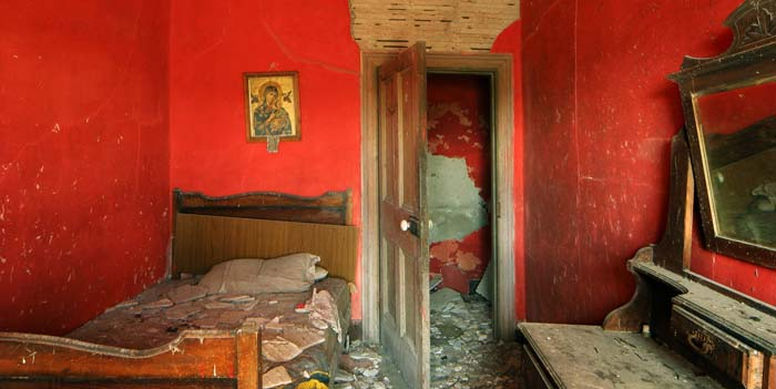 Creedon, Red Bedroom