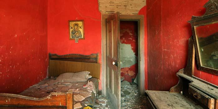 Creedon, Red Bedroom
